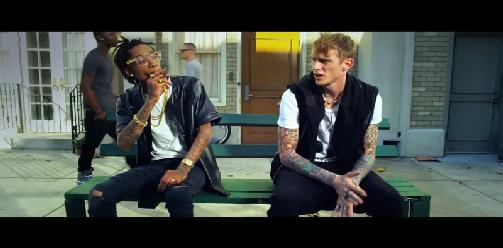 Machine Gun Kelly Ft. Wiz Khalifa - Mind Of A Atoner