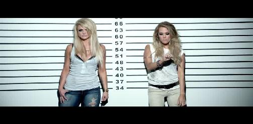 Miranda Lambert & Carrie Underwood - Somethin Bad