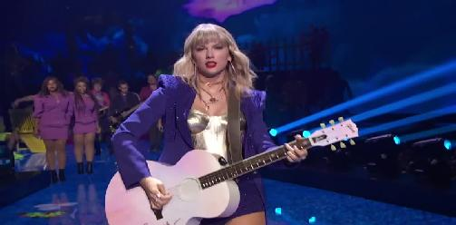 Taylor Swift - You Need To Calm Down & Lover (2019 Video Music Awards)